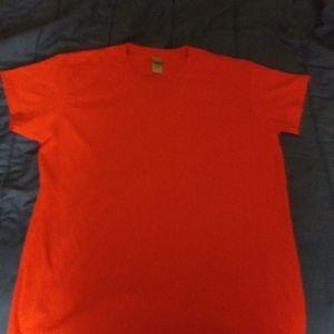 Brand new Gildan Red T shirt said LG $5
